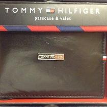 Tommy Hilfiger  Passcase & Valet Black Leather Wallet  New in Gift Box Free Ship Photo