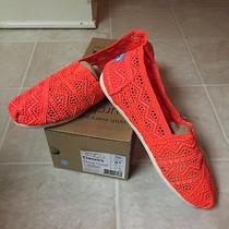 Toms Crochet Neon Coral Size 9.5 New in Box Photo