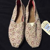 Toms Embroidered Hearts Photo