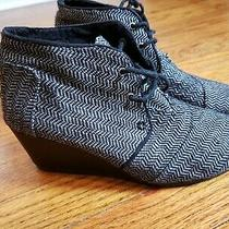 Toms Shoes Wedge Ankle Bootie Platforms Black White 8.5 Womens Lace Up  Photo