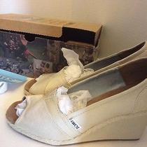 Toms Wedge Shoes 8.5 Womens Wedding Ivory Cream Heels Dress  Peep Toe Photo