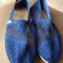 Toms Women Classic Crochet Shoes Slip on Flats Lace Like New Size 11 Navy Blue Photo