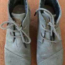 Toms Women's Desert Taupe Suede Booties Lace Up Wedge Ankle Size 6 W Preowned Photo