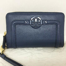 Tory Burch Amanda Blue Pebbled Leather Zip Around Wristlet Excellent Condition Photo
