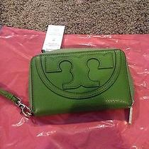 Tory Burch Green Wristlet  Photo