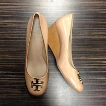 Tory Burch Leather Wedge Pumps Shoes Gold Logo Natural Blush 8 New Photo