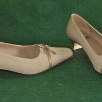 Trapezoid Kitten Darted Wrapped Silk Pump Beige Shoes Stuart Weitzman 6.5b Photo