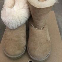 Ugg 1016422 Australia Mini Bailey Button Ii Youth Boots Size 3 Photo