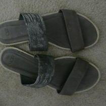 Ugg   9 M   Grey Snakeskin Pattern Leather Flat Sandal  Photo