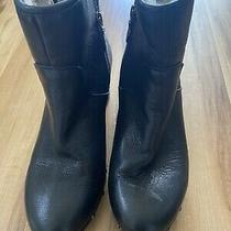 Ugg Australia Black Leather Ankle Booties Womens Size 8  Photo