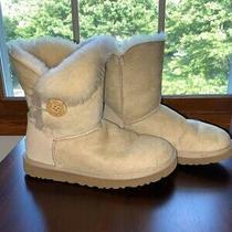 Ugg Australia Women's Bailey Button Ii Boots Size 7 - Sand Photo