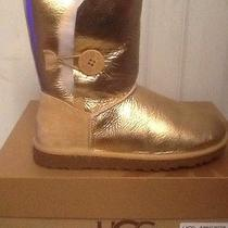 Ugg Bailey Button Metallic Gold Photo