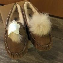 Ugg Dakota Genuine Shearling Pompom Slippers Chestnut Suede 9m Ladies New in Box Photo