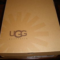 Ugg Short Boots Chocolate  New in Box 6 Photo