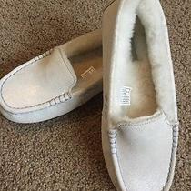 Ugg Women's Slippers Size 8 Photo
