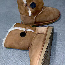 Ugg Womens Bailey Button 5803 Chestnut Boots Size 8 - Excellent- Photo