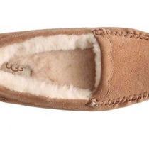 Ugg Womens  Slipper Size 7 Photo