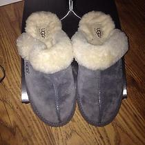 Ugg Womens Slippers Blue Size 7 Exc Condition  Photo
