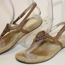 Ugg Youth Girls Big Kids 3 33 Leather Easy on Thongs Flat Sandals Shoes 1839 Photo