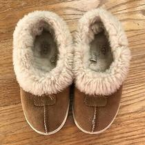 Ugg Youth Slippers - Size 2 Photo
