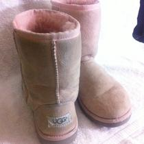 Uggs Classic Short Boots Pink Youth Sz 4 Photo