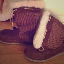 Uggs Size 9 Brown With Knit and Fur Photo