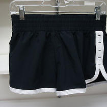 Under Armour Heat Gear Women's Shorts Sizesmall Photo