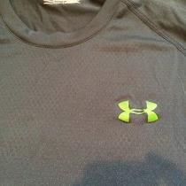 Under Armour Men Medium Heat Gear Loose Workout Shirt Photo