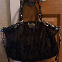 Used Coach Black Madison Quilted Embossed W/ Sig c's Hand Bag Purse Clutch 18885 Photo