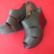 Used Kenneth Cole Reaction Women's Black Wedge Shoe 4