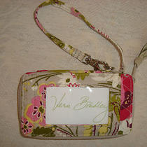 Vera Bradley - All in One Wristlet - Make Me Blush - Holds I Phone - Perfect Photo
