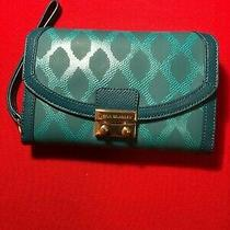 Vera Bradley Leather Ultimate Wristlet Clutch Wallet Blue Turquoise Photo