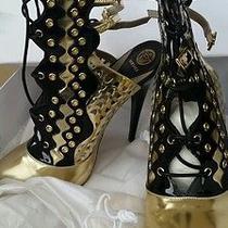 Versace  Photo