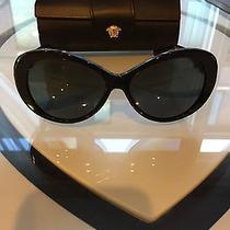 Versace Sunglasses Model 4256 Photo