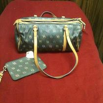 Very Nice Dooney & Bourke Hobo With Matching Wristlet Guc Photo