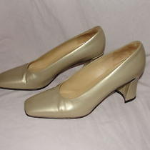 Via Spiga Gold Heels Pumps Sz 8 N Made in Italy Excellent 3 1/4 Inch Heel Photo