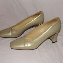 Via Spiga Gold Heels Pumps Sz 8 N Made in Italy Excellent 3 1/4 Inch Heel Photo