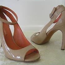 Via Spiga - Open Toe Pump Heels W/ankle Strap Tan Patent 7m Photo