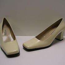 Via Spiga Womens Shoes Sz 6 M Ferris Heels Off White Pumps Dress Casual Italy Photo