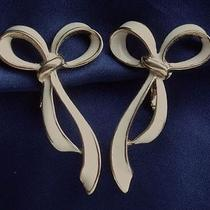 Vintage 1980's Big Cream Enamel Ribbon Bow Design Earrings by Avon Clip 70s 80s Photo