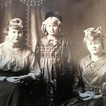 Vintage Bronzed Color Photo of Mother and Daughters 8