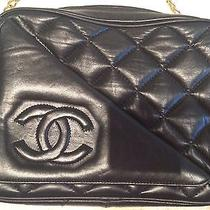 Vintage Chanel Camera Shoulder Bag in Black Quilted Caviar Leather   Photo