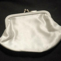 Vintage Classic Elegant Ivory Satin Small Purse Gold Clasp Excellent Condition Photo