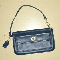 Vintage Coach Navy Leather Turnlock Wristlet.  Euc.  With Hangtag. Photo