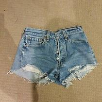 Vintage Levis Womens Denim Shorts Size 8 W27 Stretch Hemmed Distressed Look Photo