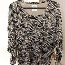 Volcom Sweater Photo