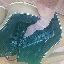 Wedge/ Platform/ Heel Size 7 Photo