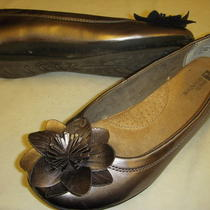 White Mountain Hudson Flower Detail Flats Shoes Womens 6.5 M Medium Pewter  Photo