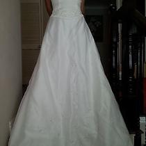 White Satin a-Line Wedding Dress Size 4 Photo