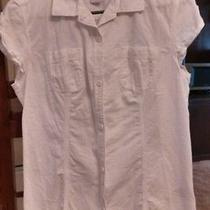 Woman's Fitted Med. Columbia Shirt Photo